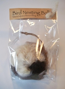 Alpaca Bird Nesting Ball